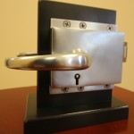 End Door Lock For Swinging Doors (Inside View)